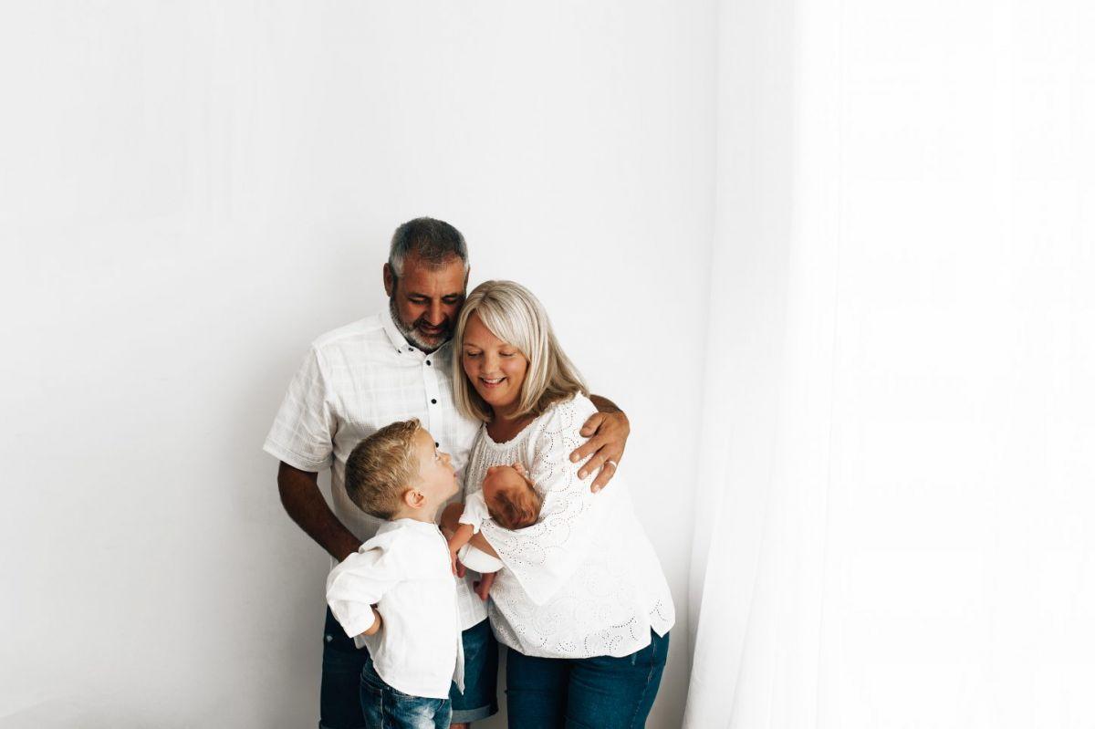 simple-natural-baby-newborn-white-photography-photoshoot-photographer-poole-dorset-bournemouth-wimborne-ferndown