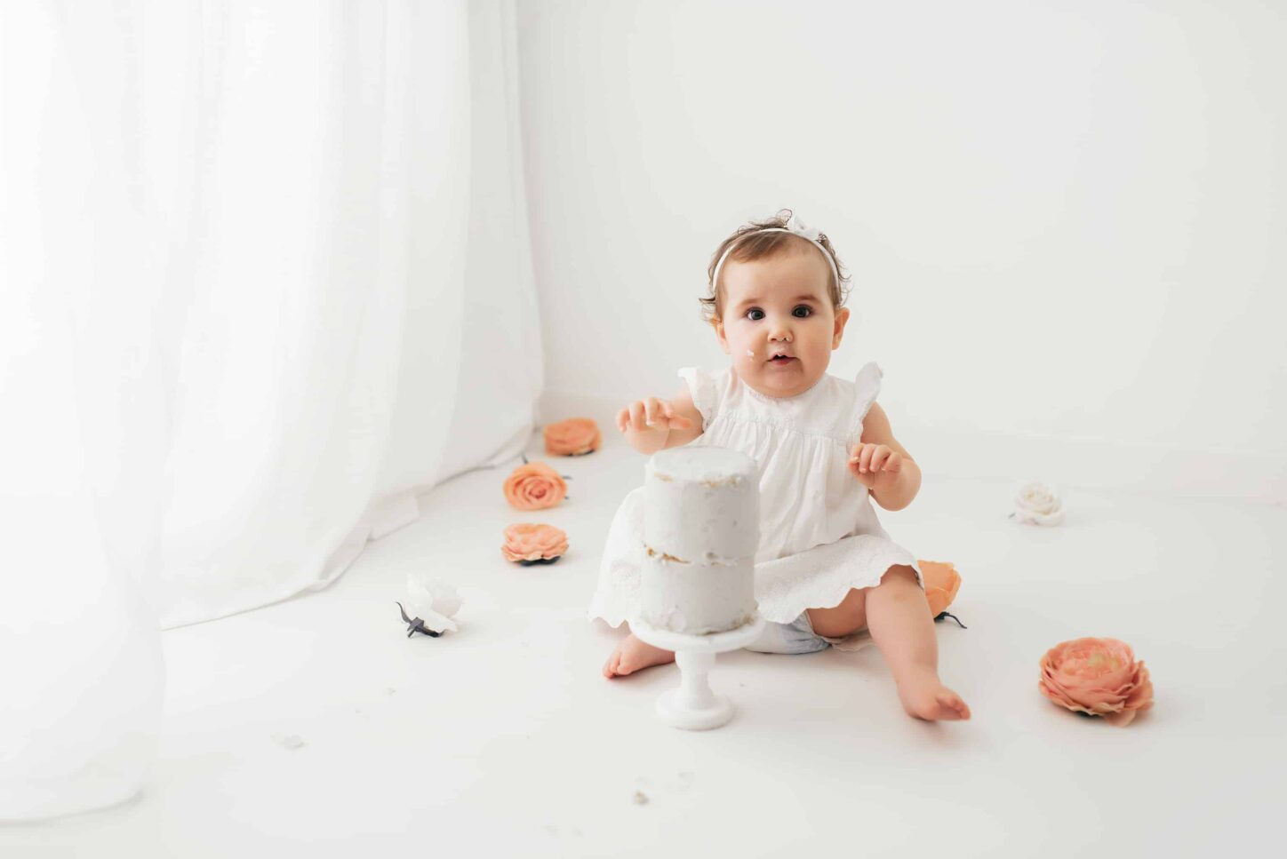 newborn-cake-smash-birthday-photoshoot-photography-photographer-poole-dorset-bournemouth