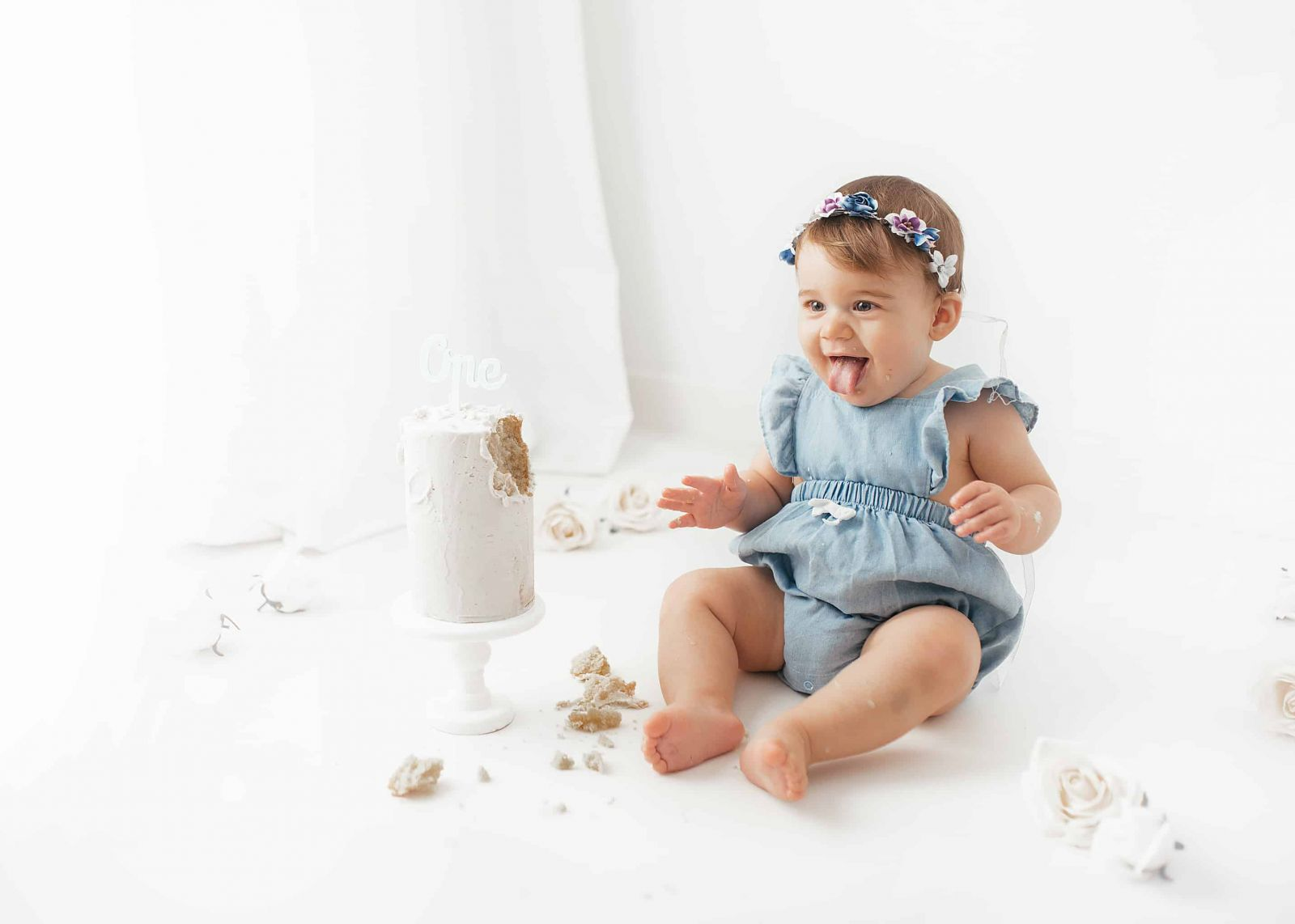 newborn-cake-smash-birthday-photoshoot-photography-photographer-poole-dorset-bournemouth
